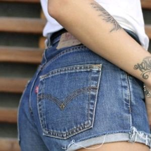 501 Vintage Levi's Cut Off Jean Denim Mom Shorts
